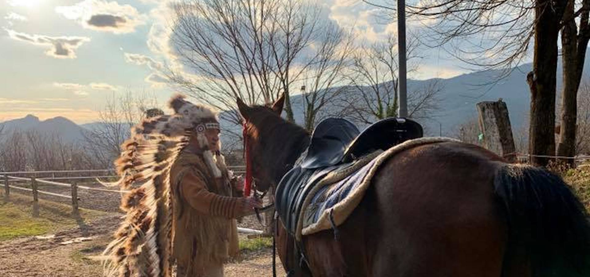 Passeggiata a cavallo notturna-cena country